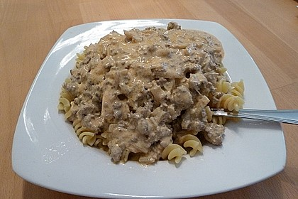 Nudeln mit Joghurt - Schafskäse - Sauce 3