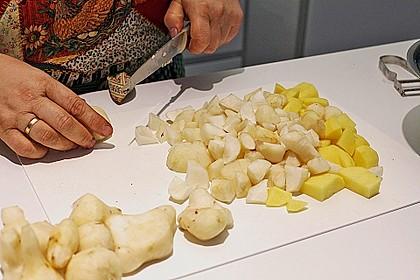 Topinambursuppe mit Trüffel und Quitten - Knusperröllchen 5