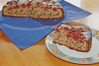 Festlicher Schoko - Nuss - Kuchen mit Kirschen 2