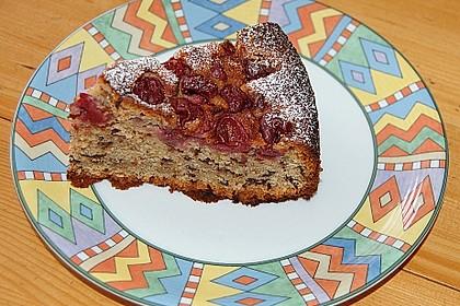 Festlicher Schoko - Nuss - Kuchen mit Kirschen 3
