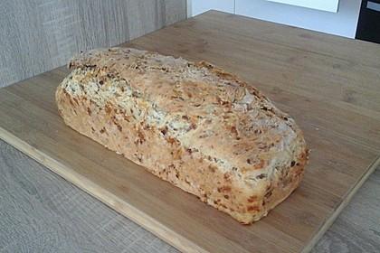 Zwiebel-Käse-Schinken-Brot 21