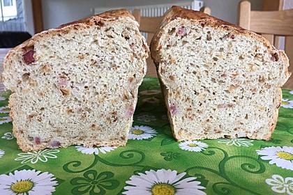 Zwiebel-Käse-Schinken-Brot 14
