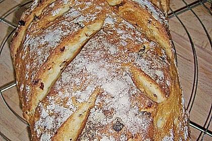 Zwiebel-Käse-Schinken-Brot 15