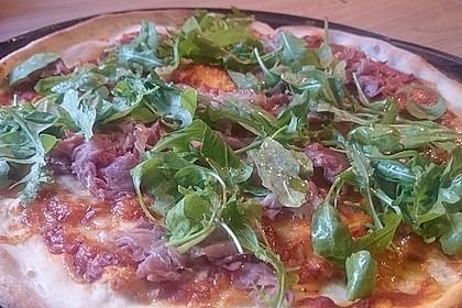 Rucola - Pizza mit Parmaschinken 10