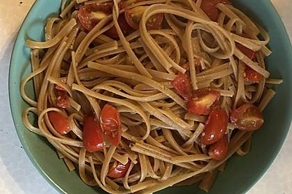 Spaghetti mit frischen Tomaten 10