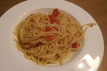 Spaghetti mit frischen Tomaten 11