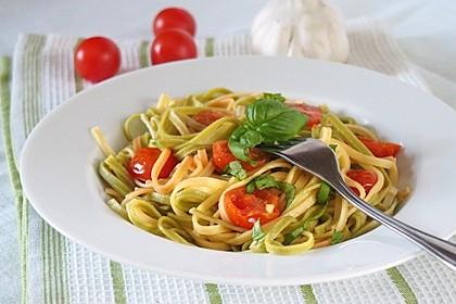 Spaghetti mit frischen Tomaten 1