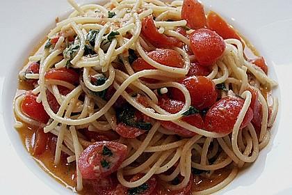 Spaghetti mit frischen Tomaten 7