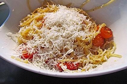 Spaghetti mit frischen Tomaten 12