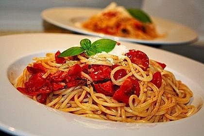 Spaghetti mit frischen Tomaten 3
