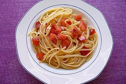 Spaghetti mit frischen Tomaten 6