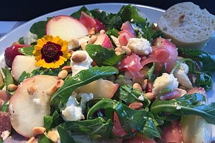Rucola Salat mit Mozzarella, Pfirsichen, Rohschinken und Honigdressing 4