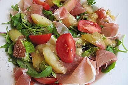 Rucola Salat mit Mozzarella, Pfirsichen, Rohschinken und Honigdressing 8