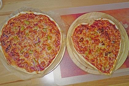 Pizzaboden - dünn und knusprig 7