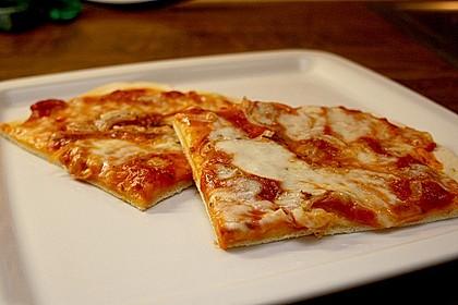 Pizzaboden - dünn und knusprig 5