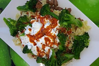 Brokkoli - Hackfleisch - Nudeln mit Joghurt 45