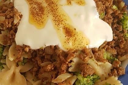 Brokkoli - Hackfleisch - Nudeln mit Joghurt 48