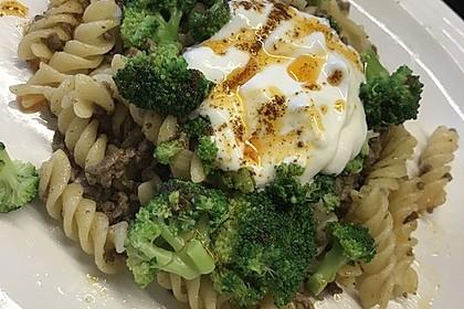 Brokkoli - Hackfleisch - Nudeln mit Joghurt 42