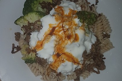 Brokkoli - Hackfleisch - Nudeln mit Joghurt 34