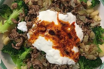Brokkoli - Hackfleisch - Nudeln mit Joghurt 19