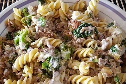 Brokkoli - Hackfleisch - Nudeln mit Joghurt 23