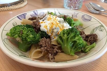 Brokkoli - Hackfleisch - Nudeln mit Joghurt 29