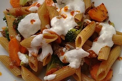 Brokkoli - Hackfleisch - Nudeln mit Joghurt 11