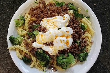 Brokkoli - Hackfleisch - Nudeln mit Joghurt 24