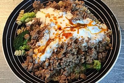 Brokkoli - Hackfleisch - Nudeln mit Joghurt 30