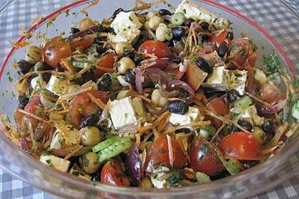 Kichererbsensalat mit roten Zwiebeln und Feta 4