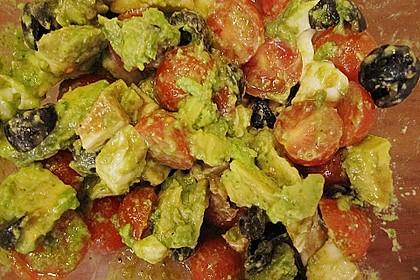 Avocado - Tomaten Salat mit Pesto und Mozzarella 6