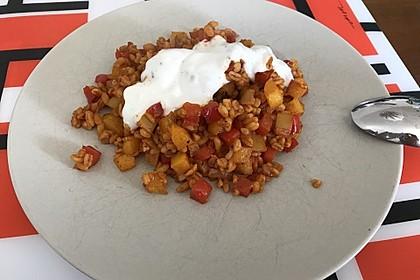 Paprika-Reispfanne mit Joghurtsauce 45