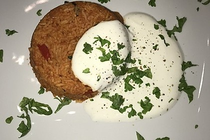 Paprika-Reispfanne mit Joghurtsauce 63