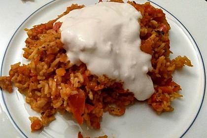 Paprika-Reispfanne mit Joghurtsauce 72