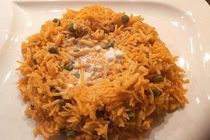 Paprika-Reispfanne mit Joghurtsauce 71