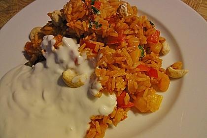 Paprika-Reispfanne mit Joghurtsauce 40