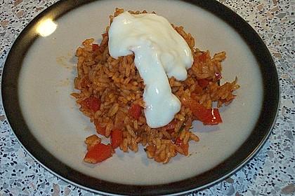 Paprika-Reispfanne mit Joghurtsauce 57