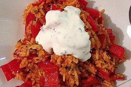 Paprika-Reispfanne mit Joghurtsauce 30
