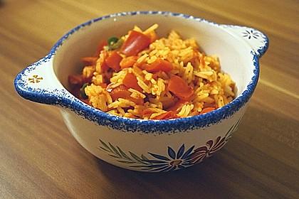 Paprika-Reispfanne mit Joghurtsauce 7