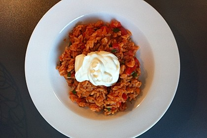 Paprika-Reispfanne mit Joghurtsauce 41
