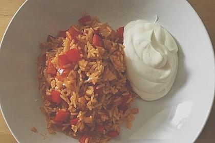 Paprika-Reispfanne mit Joghurtsauce 54
