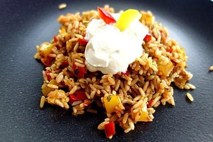 Paprika-Reispfanne mit Joghurtsauce 9