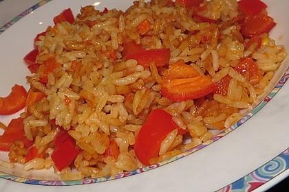 Paprika-Reispfanne mit Joghurtsauce 46