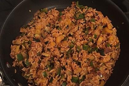 Paprika-Reispfanne mit Joghurtsauce 69