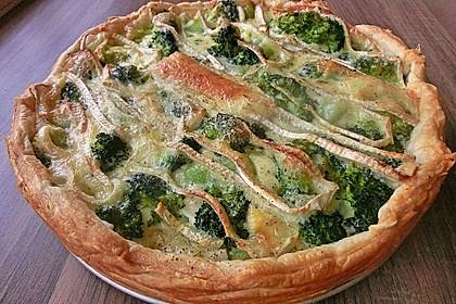 Blätterteig - Quiche mit Brokkoli und Camembert