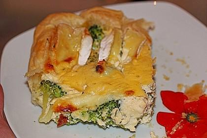 Blätterteig - Quiche mit Brokkoli und Camembert 10