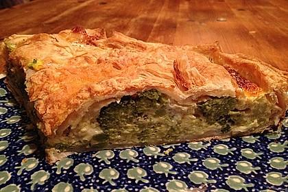 Blätterteig - Quiche mit Brokkoli und Camembert 19