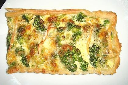 Blätterteig - Quiche mit Brokkoli und Camembert 17