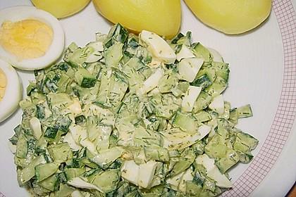 Kartoffeln mit Gurkensauce und Ei