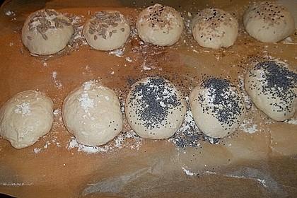 Buttermilchbrötchen mit Vorteig 137